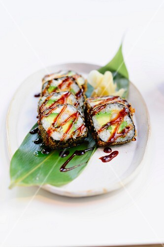 Futo maki with crayfish and avocado