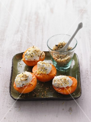 Apricots with lemon quark and shelled hemp nuts