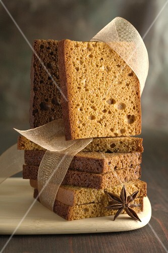 Gingerbread with star anise and a ribbon