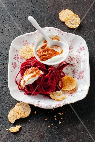 Beetroot spaghetti with a yoghurt and chilli sauce