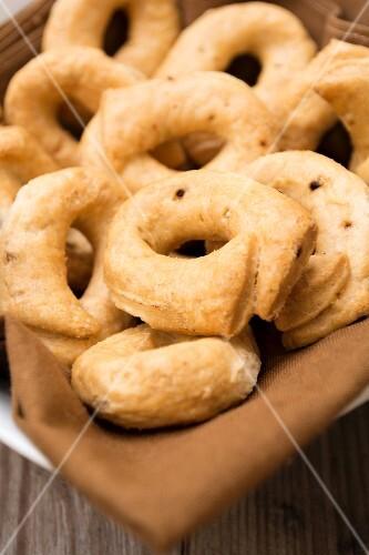 Tarallini (Italian breads)