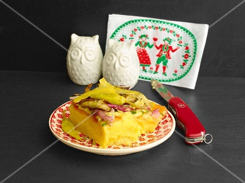 Gratinated polenta cake with vegetables