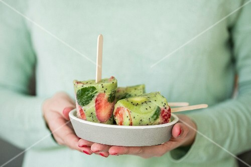 Homemade kiwi and strawberry ice cream sticks