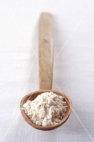 A pile of chestnut flour