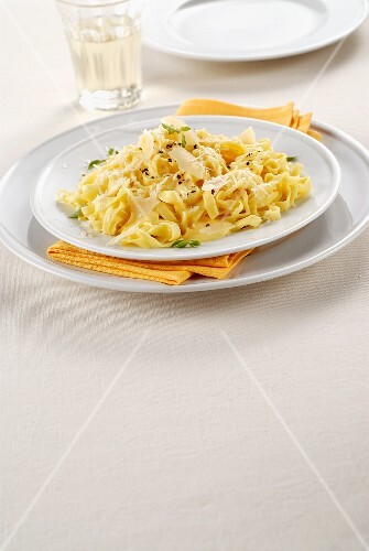 Tagliolini with a cheese sauce