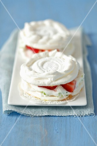 Mini pavlova with lime cream and strawberries
