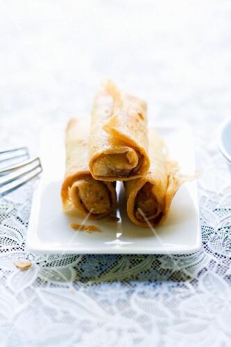 Pho Phia Thod (fried vegetarian spring rolls, Thailand)