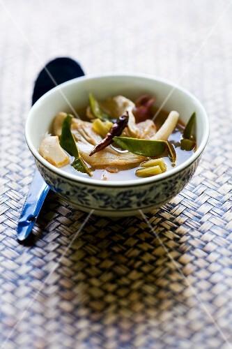 Spicy chicken soup (Thailand)