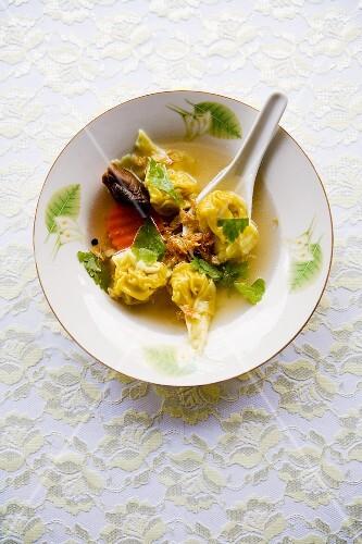 Soup Giauw (wonton soup, Thailand)