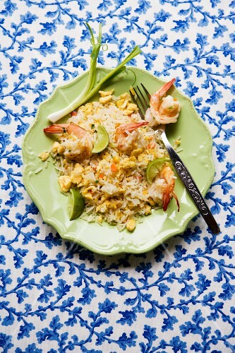 Khao Pad Gung (fried rice with prawns and egg, Thailand)