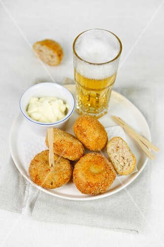 Polpette with a glass of beer