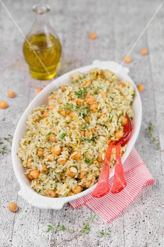 Cold rice with chickpeas