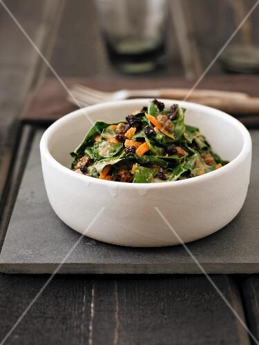 Collard greens with raisins and carrots