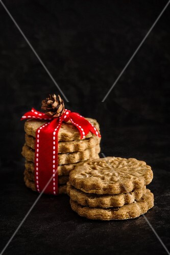Gingerbread biscuits as a gift