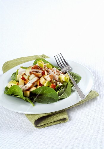 Rabbit salad with spinach