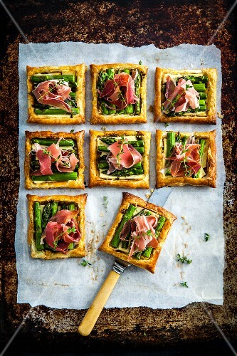 Asparagus and harvarti galettes with Proscuitto