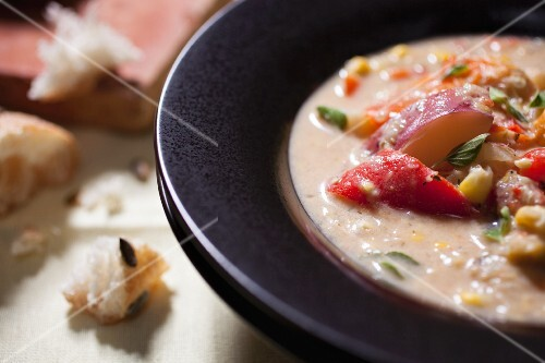 Corn chowder with potatoes and peppers (USA)