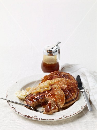 Buttermilk pancakes with chocolate and hazelnut spread, pear butter and syrup