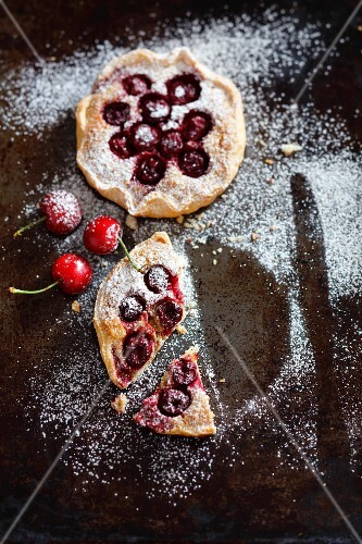 Mini almond and cherry tarts