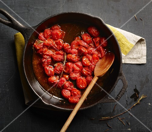 Steamed cherry tomatoes with rosemary