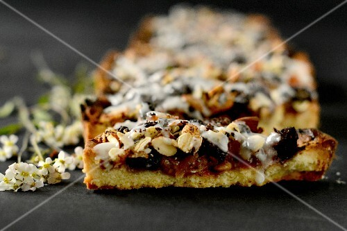 Dried fruit cake with nuts