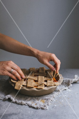 Apricot pie with a lattice topping (raw)
