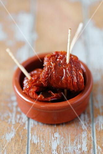 Dried tomatoes with toothpicks