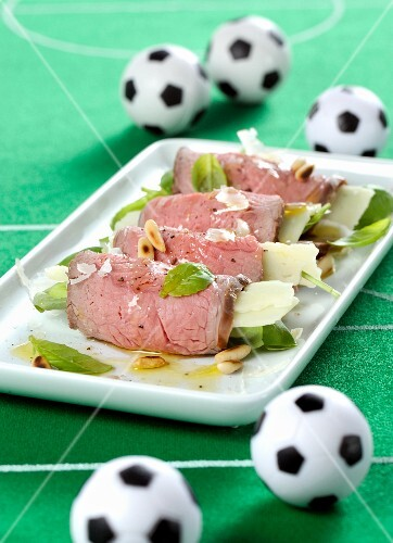 Roast beef rolls al pesto with basil, Parmesan cheese and pine nuts