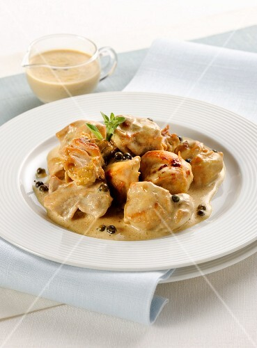 Rabbit ragout with pepper sauce