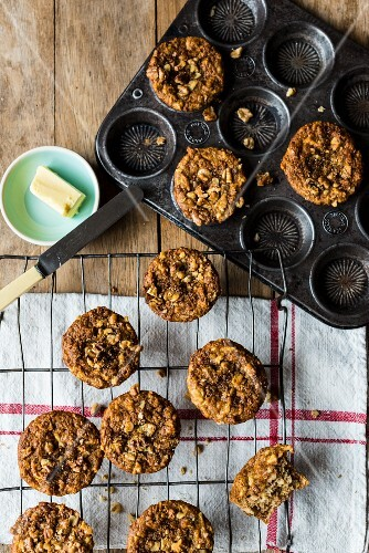 Apple and walnut muffins with butter