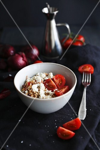 Farro salad with tomatoes, onions and feta cheese