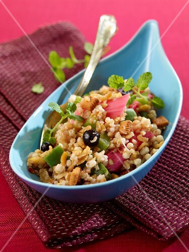 Bulgur muesli salad