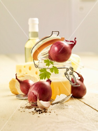 Ingredients for onion soup