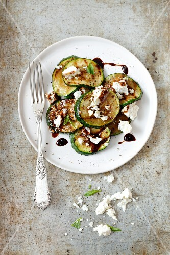 Grilled courgettes with ricotta, balsamic sauce and peppermint