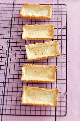 Rectangular tartlet bases