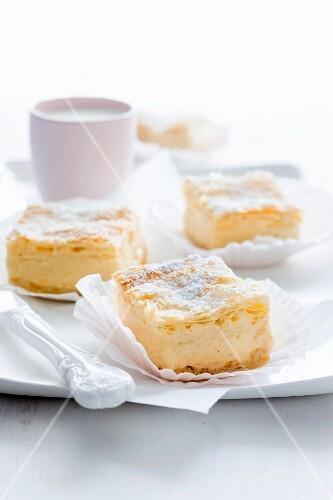 Vanilla cream slices with icing sugar
