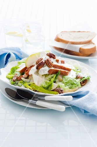 Waldorf salad with smoked chicken breast