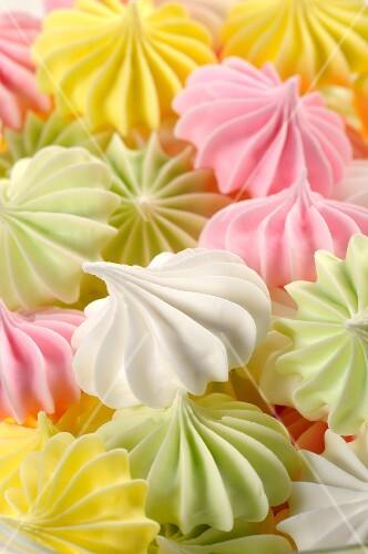 Colourful meringues