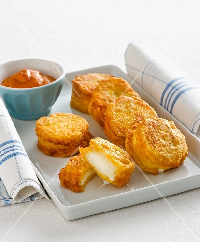 Mozzarelline in carrozza (breaded, fried mozzarella fritters, Italy)