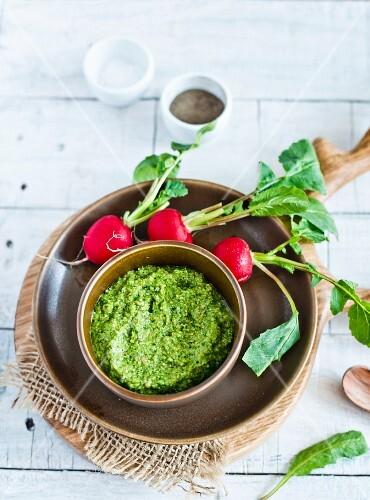 Pesto with radish leaves
