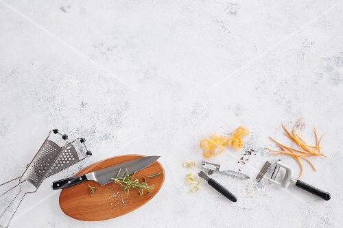 Various kitchen utensils for grating, peeling and chopping