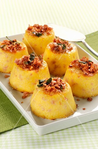 Spicy polenta pudding with crispy sage bacon