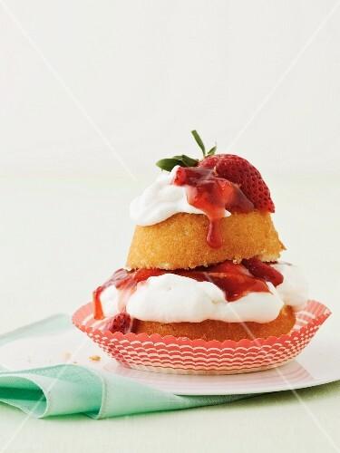 Strawberry shortcake cupcake (USA)