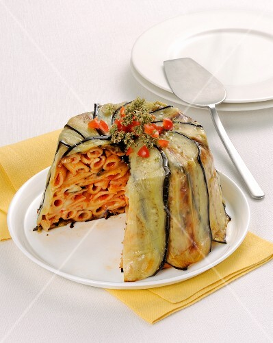 Aubergine and pasta timbale