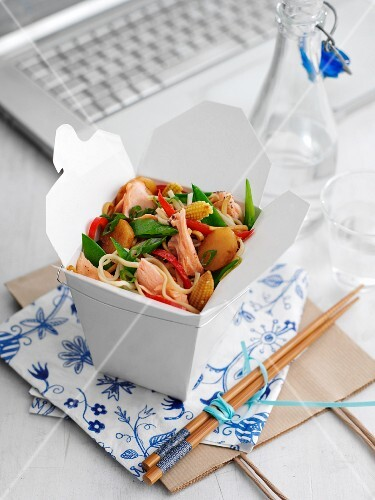 Salmon and noodles in a lunchbox (China)