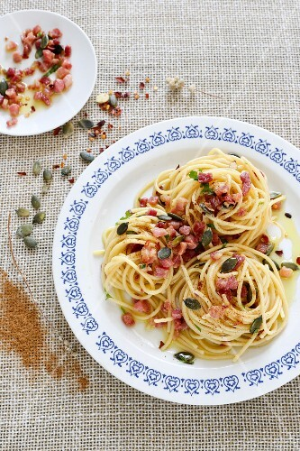 Spaghetti with Pancetta and pumpkin seeds