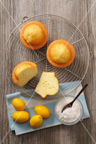 Moelleux citron (French lemon cakes) with grated coconut