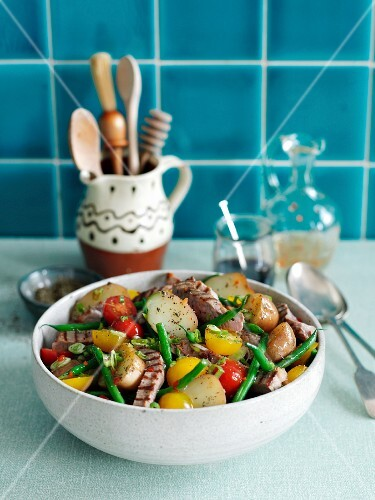 Lamb salad with green beans, potatoes and cherry tomatoes