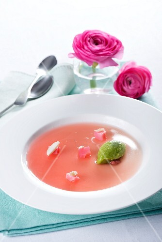 Rhubarb jelly with green mousse