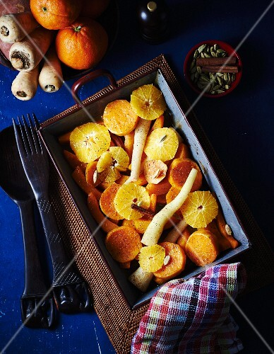 Oven-roasted vegetables with oranges